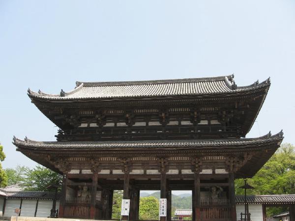 cong_tam_quan_chua_nhat_ban__1_